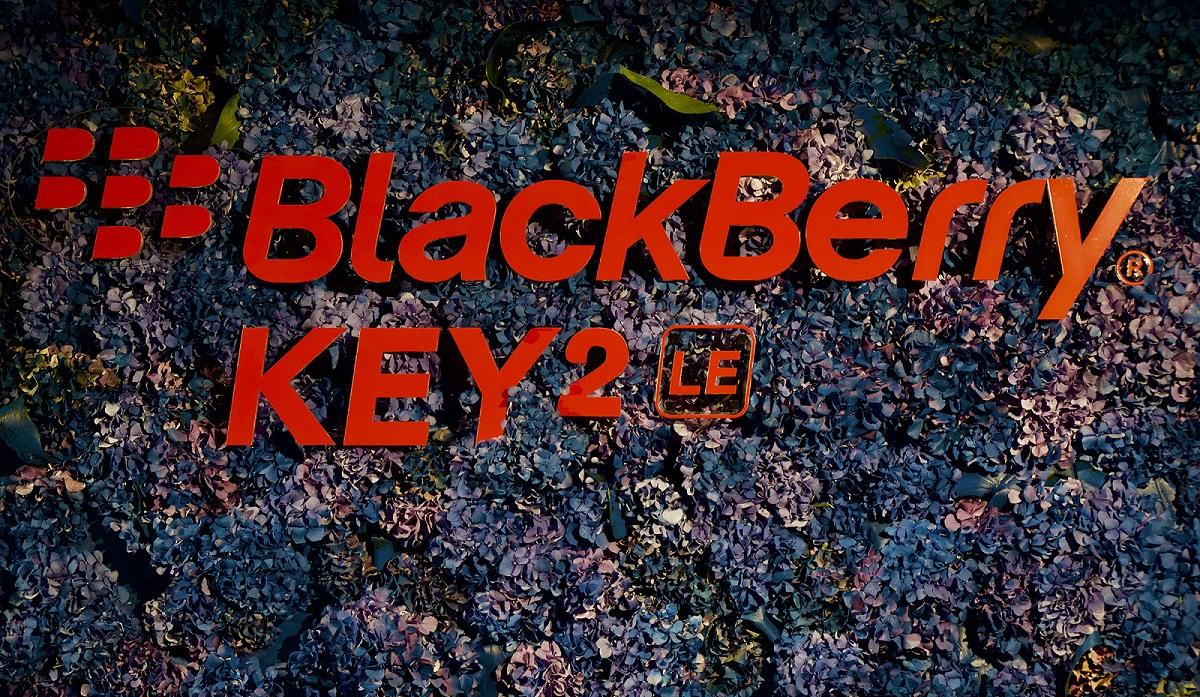 Новый QWERTY-смартфон BlackBerry KEY 2 LE выходит в Европе